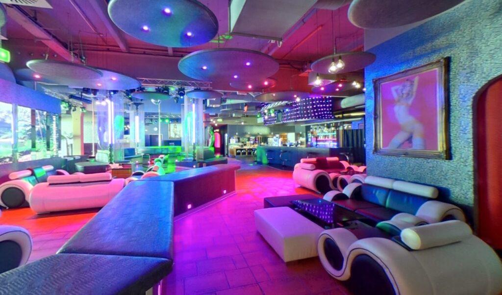 Goldentime Wien FKK Club interior