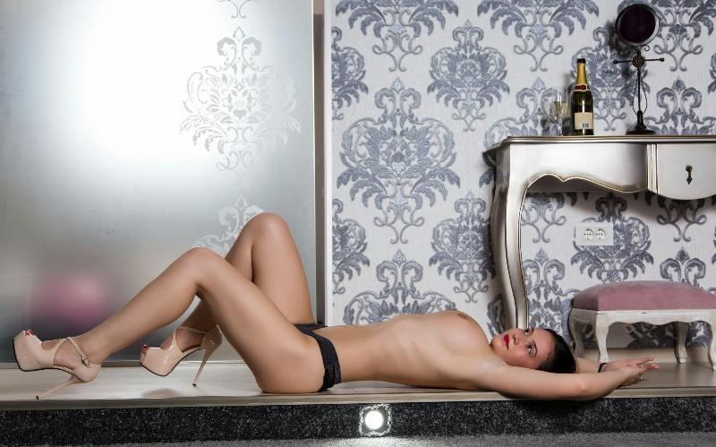 Julia VIP escort girl from Maxim Wien