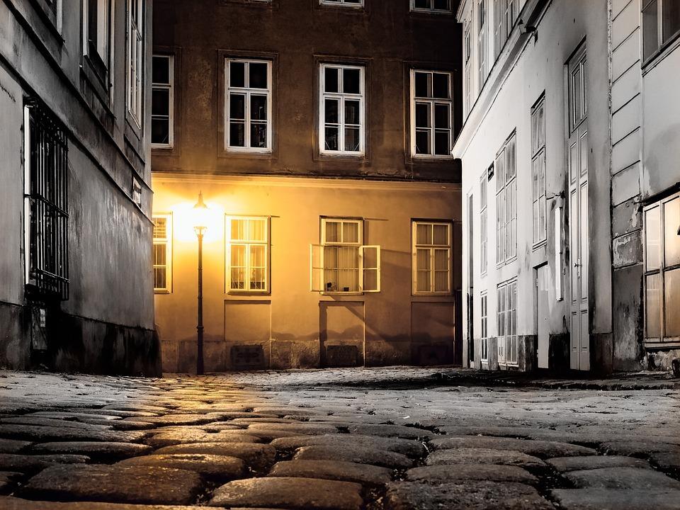 abandoned street in Vienna because of corona virus